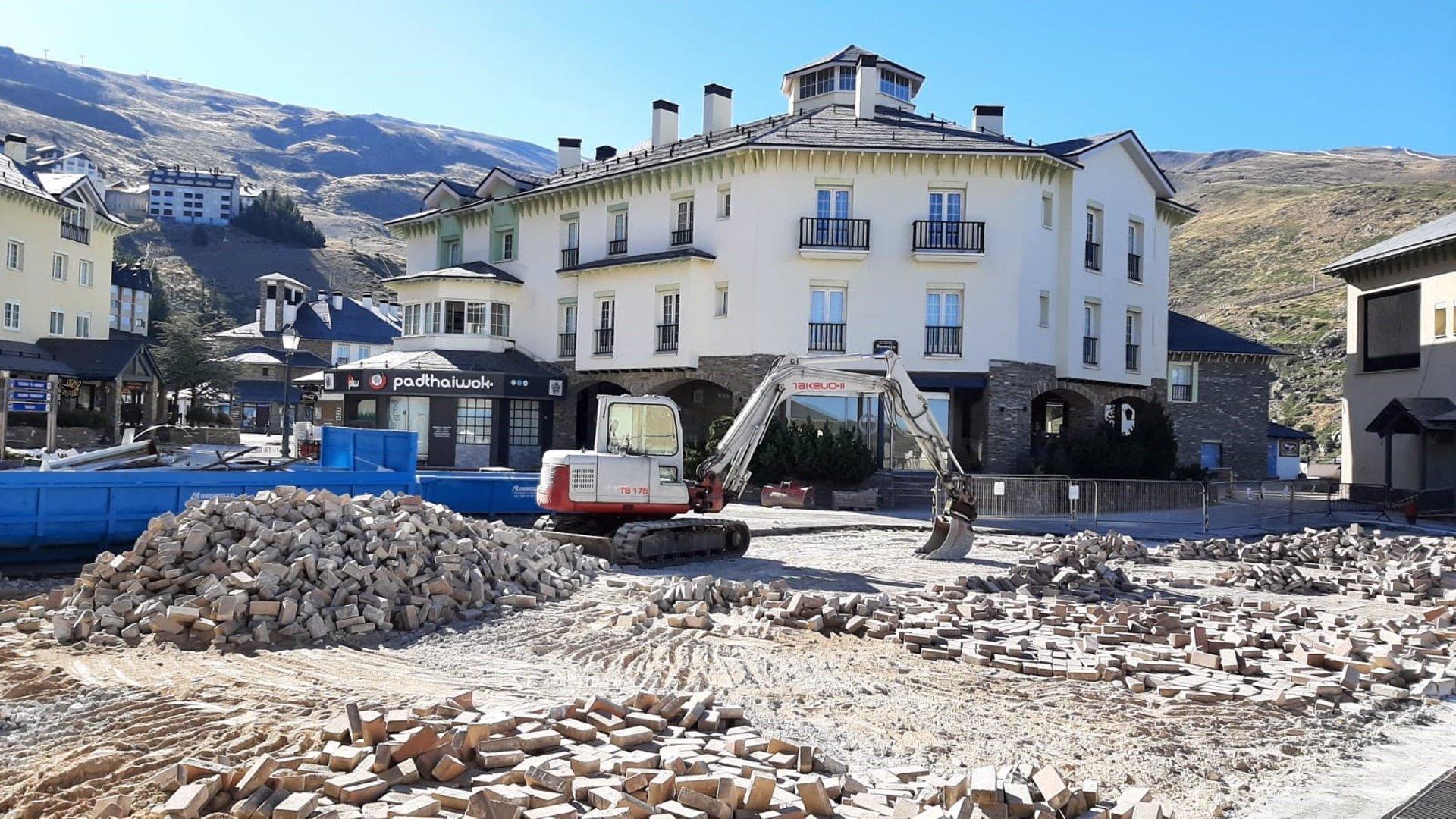 Sierra Nevada ultima la remodelación de la plaza de Andalucía de Pradollano