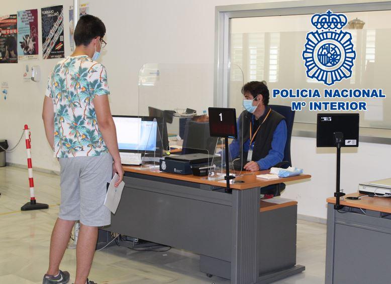 La Policía intensifica su actividad en las oficinas de DNIe y Pasaporte de toda la provincia de Granada