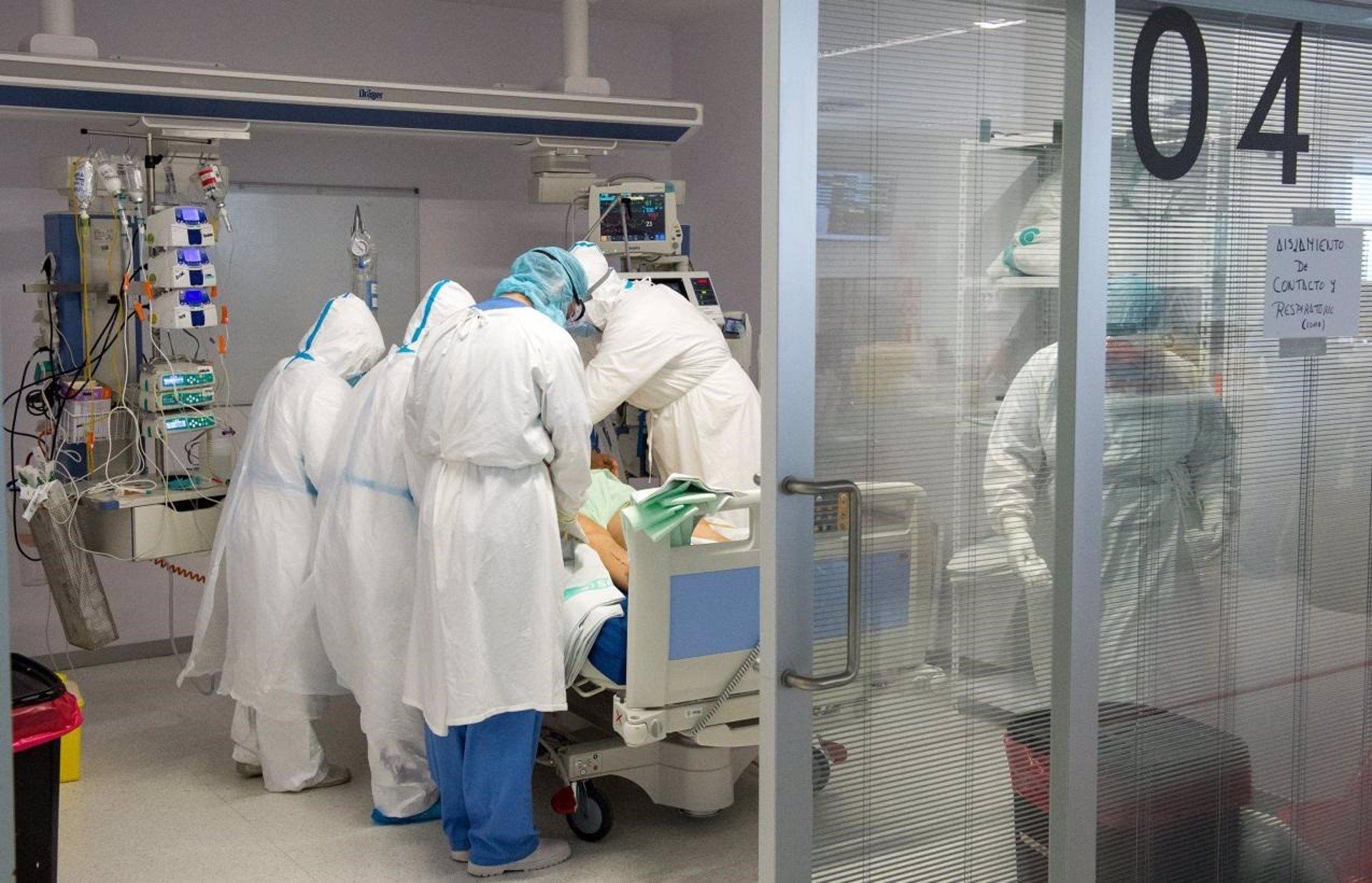 Bajan los contagios hasta los 378 casos en una jornada con 3 muertes