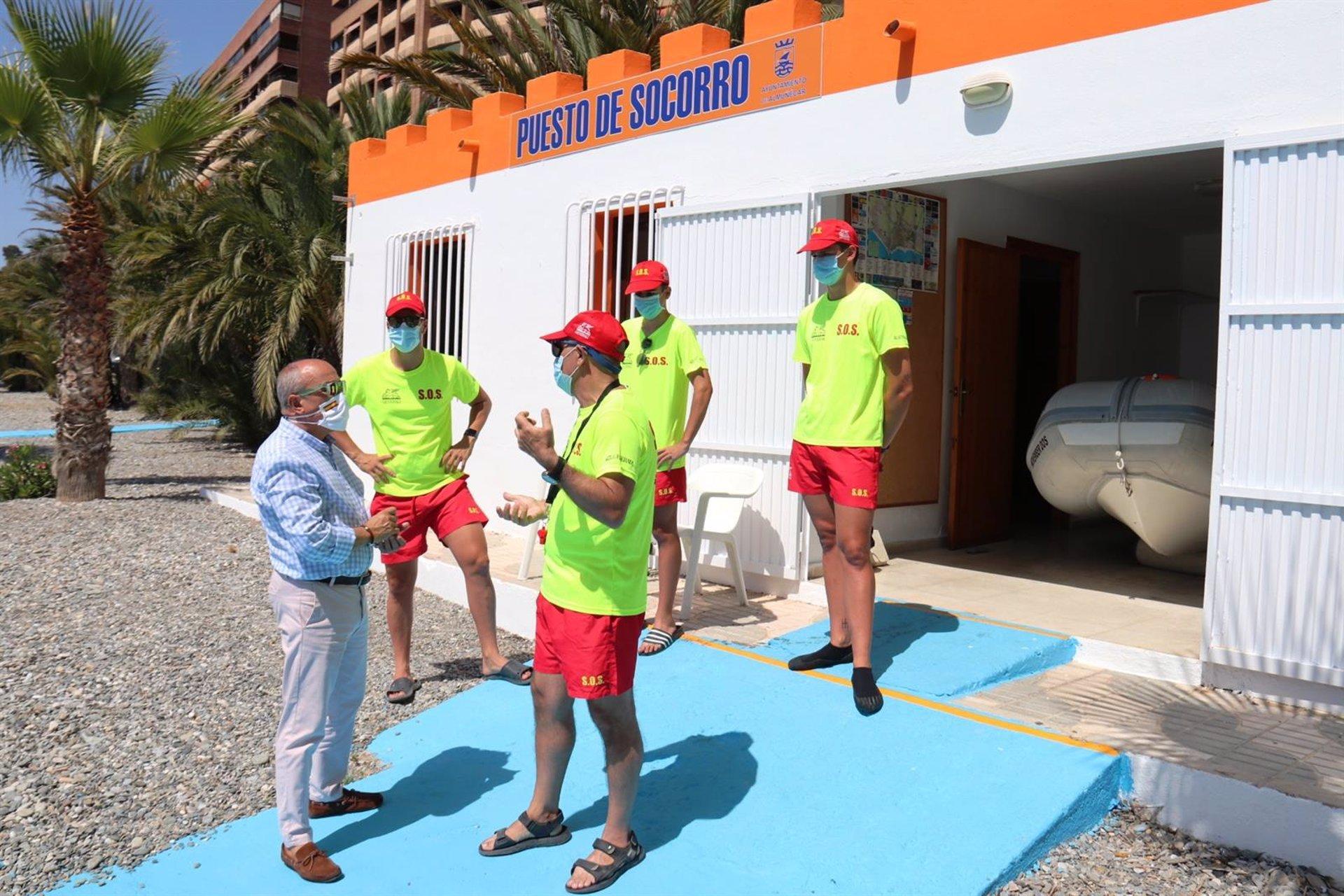Los puestos de socorro de las playas de Almuñécar suman 785 actuaciones este verano