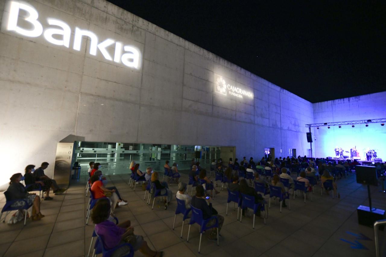 5.000 personas participaron en los ciclos de cine y  música en el Centro Cultural CajaGranada