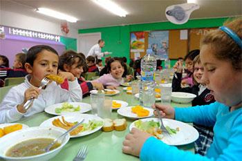 UGT denuncia que la Junta no abrirá 45 comedores escolares de la provincia