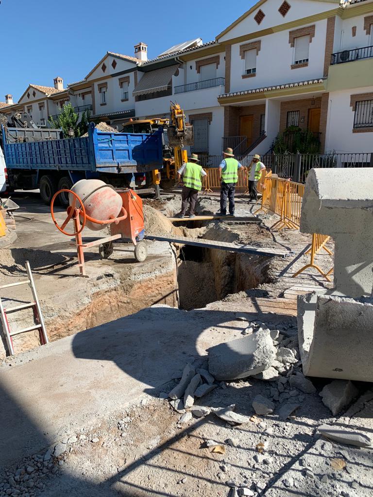 Pulianas acomete la renovación de la red de saneamiento de la urbanización 'La Joya' l