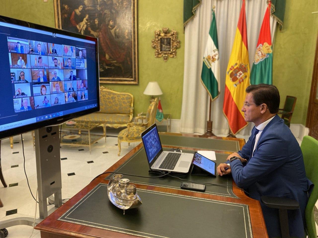 Salvador reincide en petición de «diálogo» entre el gobierno y el municipalismo
