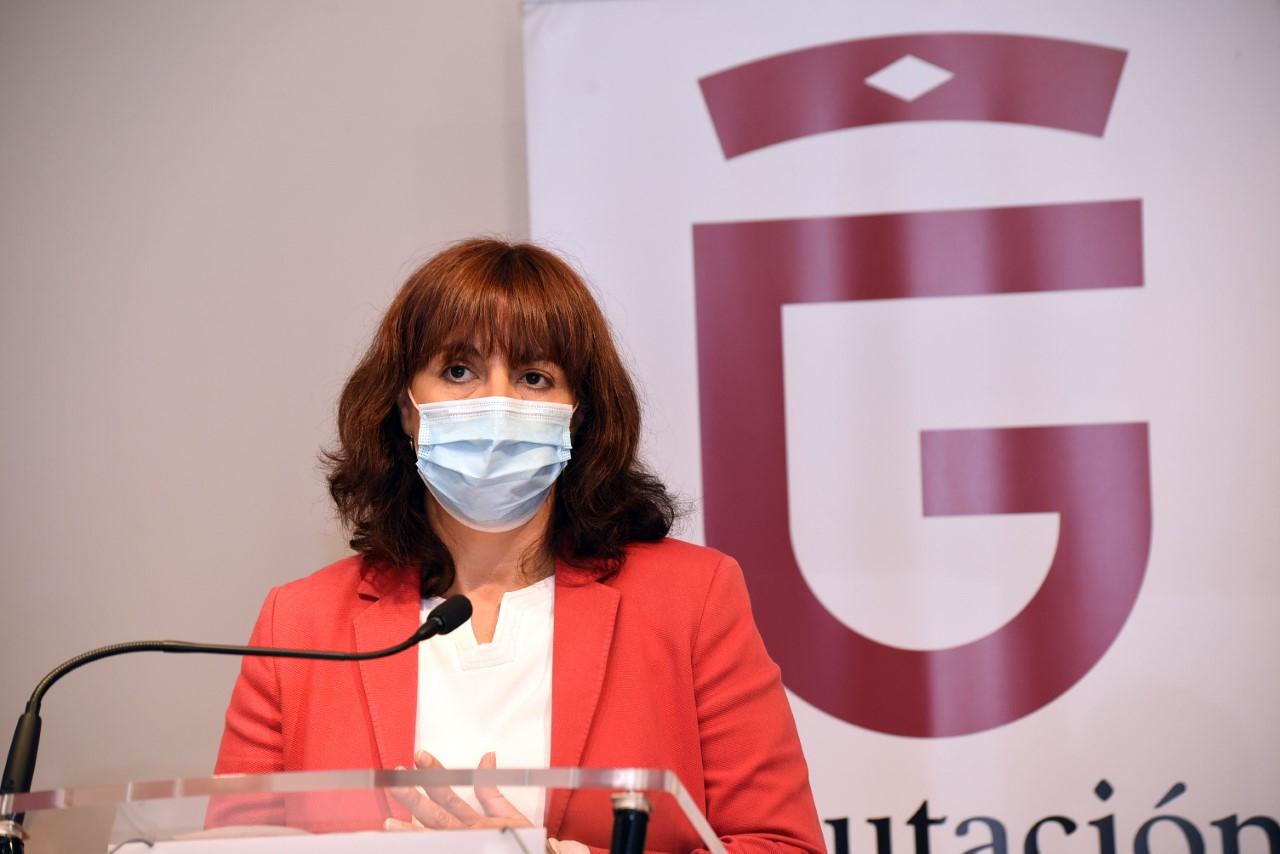 La Junta suprime los fondos para la atención a personas inmigrantes en los municipios