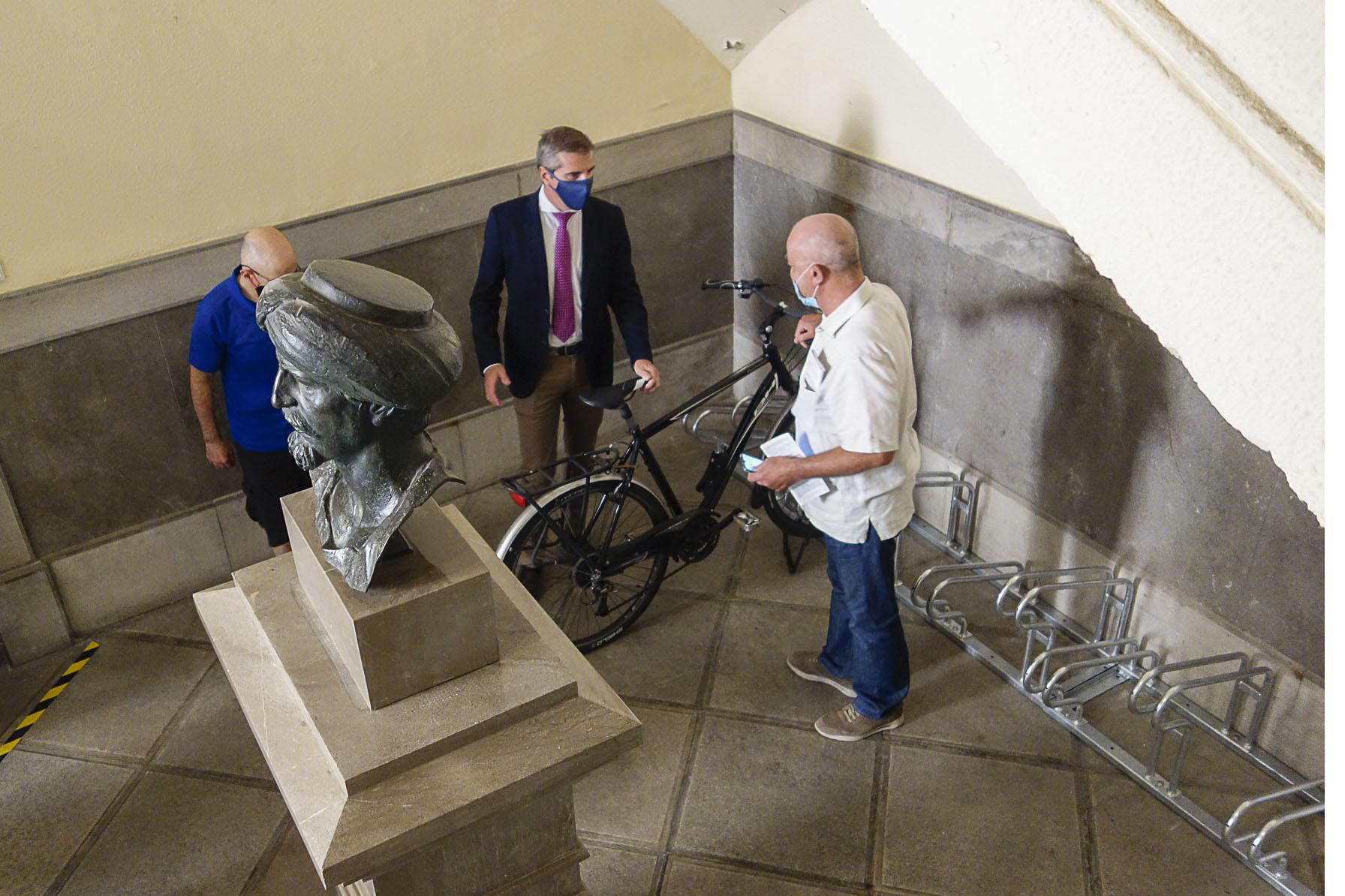 Granada alcanzará las 5.000 plazas de estacionamiento para bicicletas al final de mandato actual