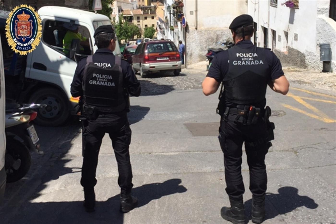 La Policía Local  de Granada ejecuta 36 denuncias por botellón durante el fin de semana