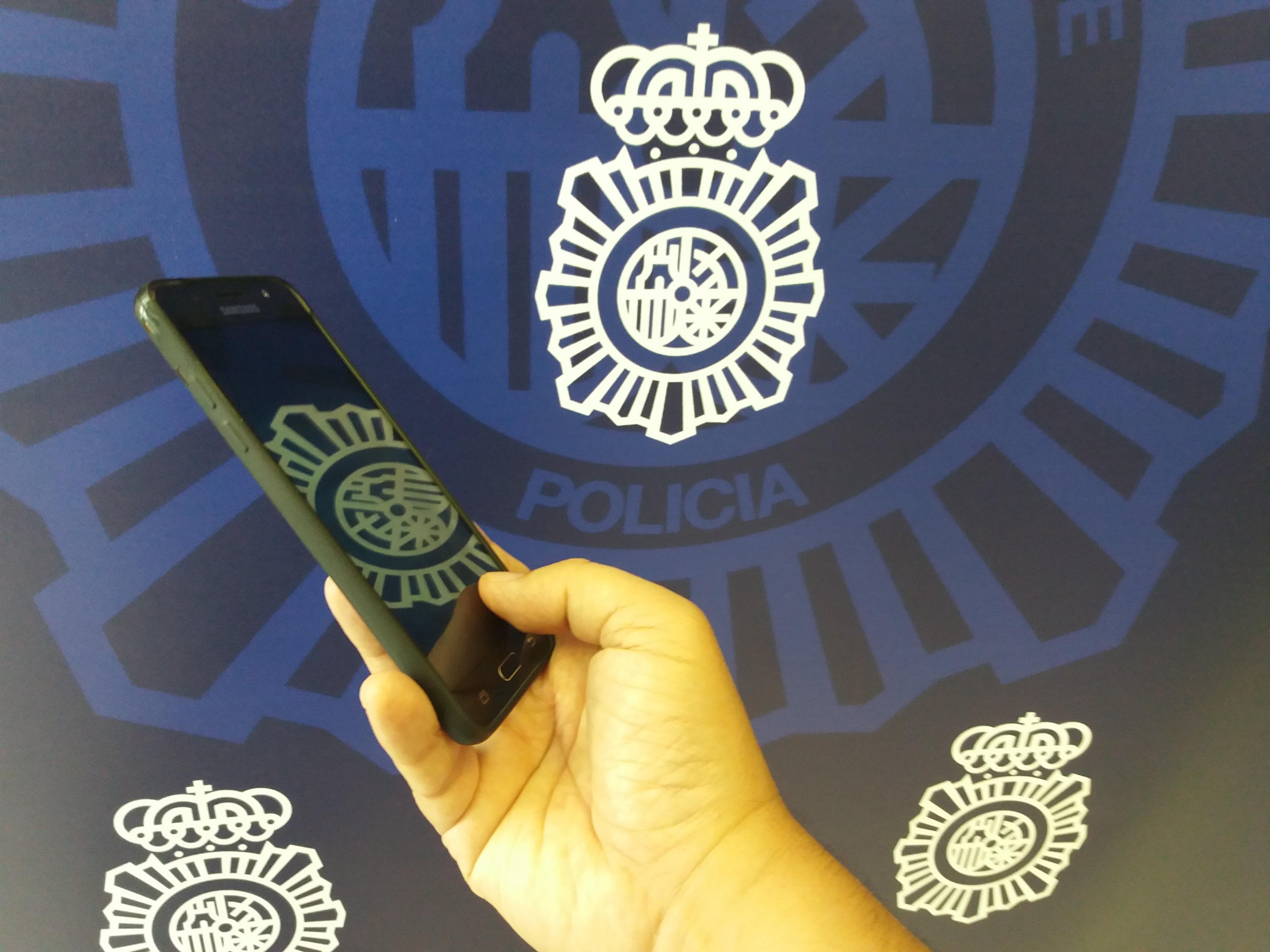 Detenido en Motril por robar un teléfono móvil valorado en más de 300 euros al cliente de una terraza de un bar