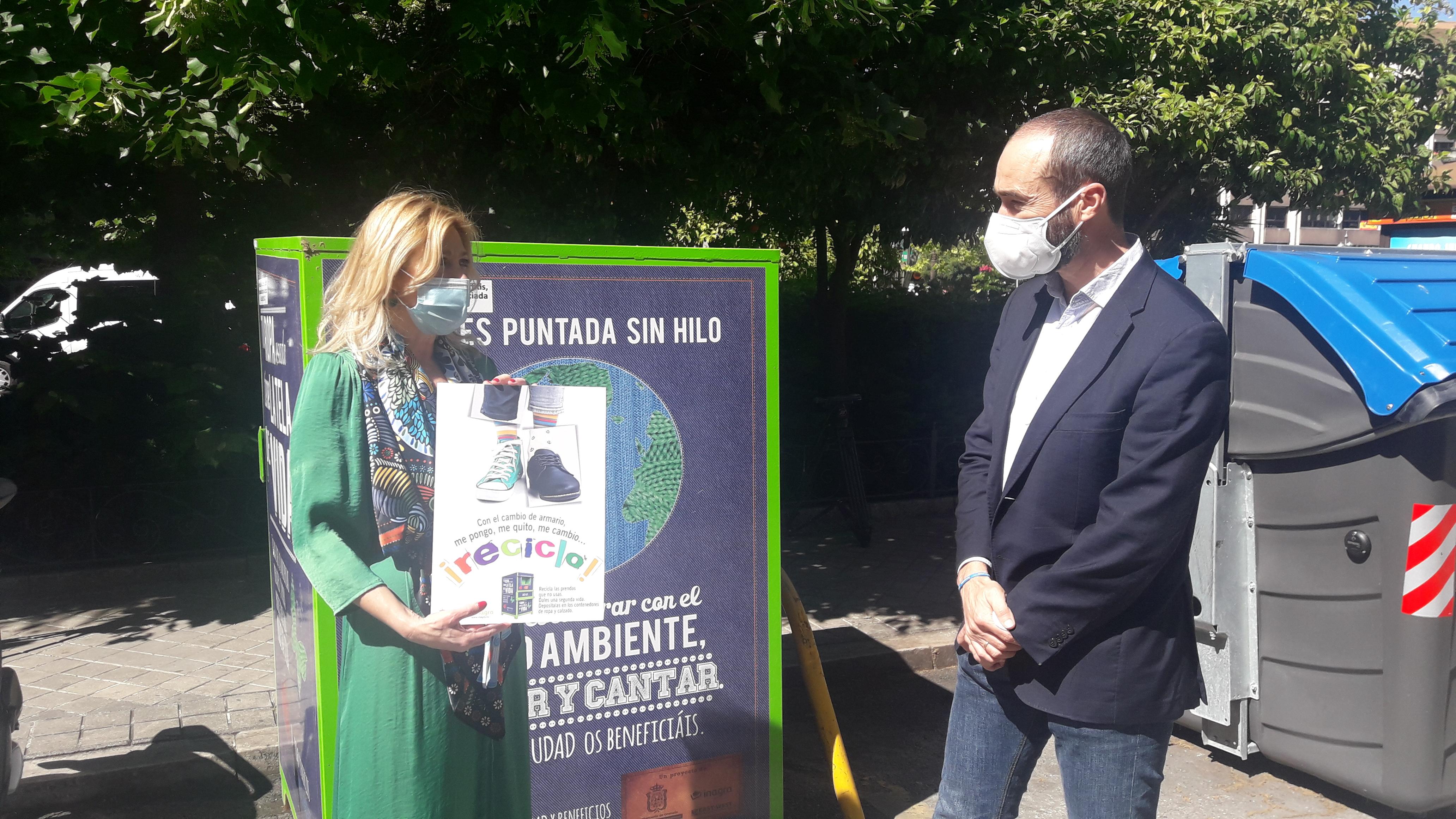 El Ayuntamiento refuerza la recogida de contenedores de ropa usada