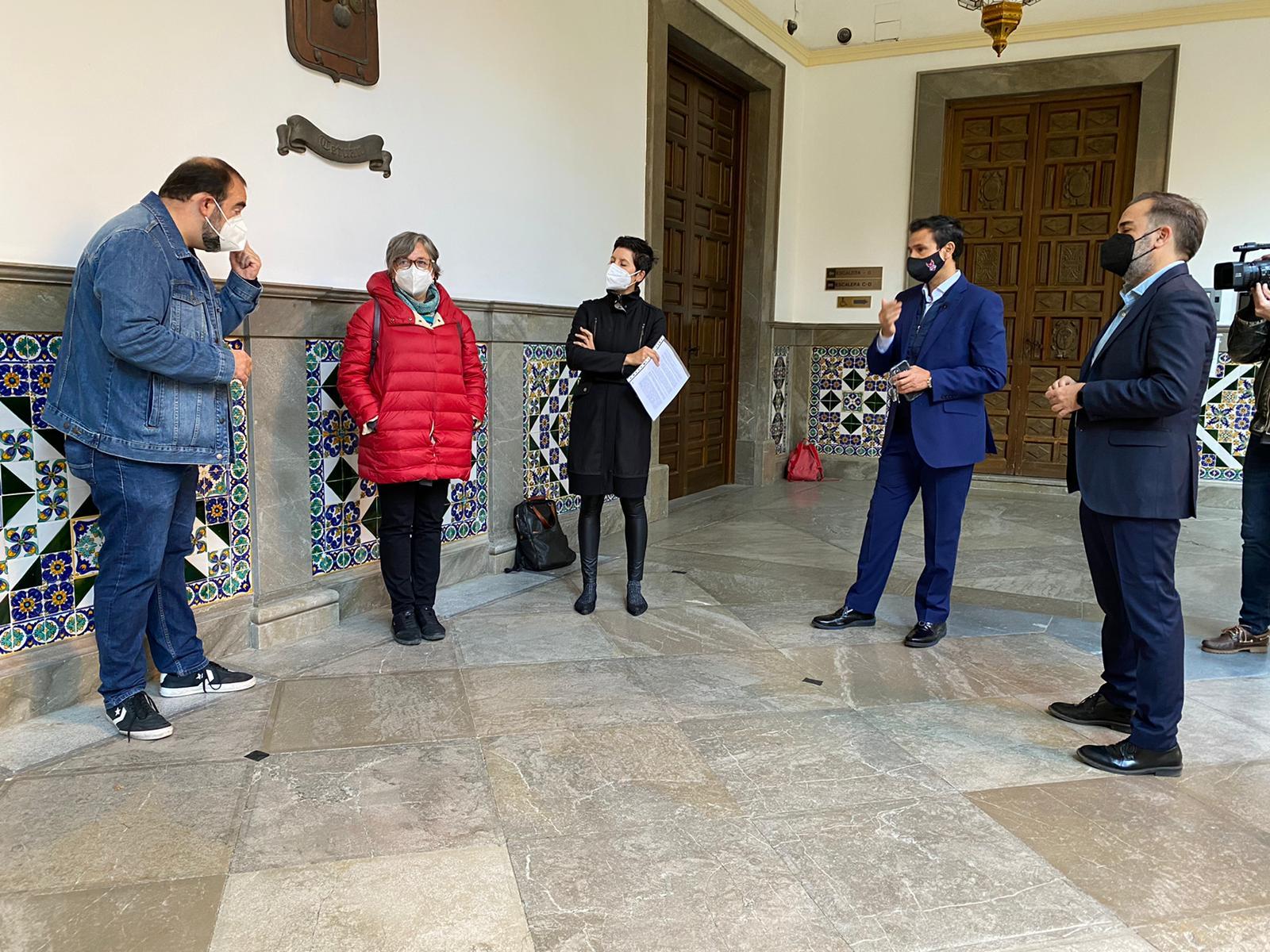 Muestran el rechazo al cambio de los estatutos de la Fundación Granada Educa que evitan la participación