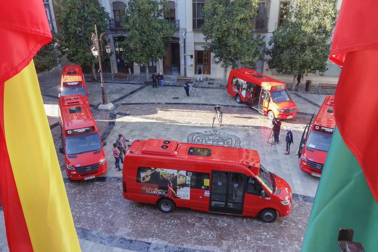 Cinco nuevos autobuses se han incorporado al servicio de transporte público