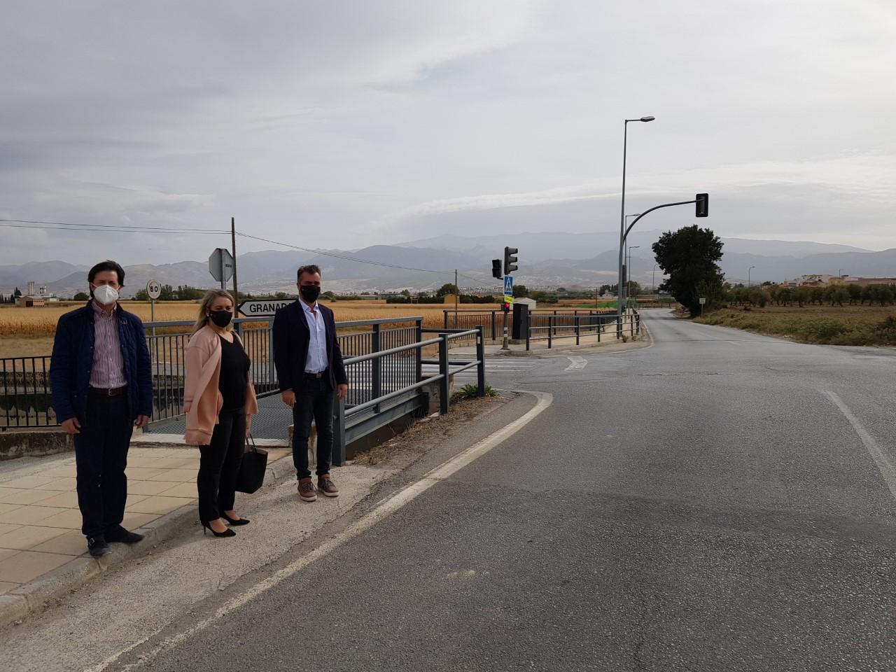 """El PP pide a la Diputación una rotonda en la GR-3306 a su paso por Las Gabias que """"ordene y agilice"""" el tráfico de vehículos"""