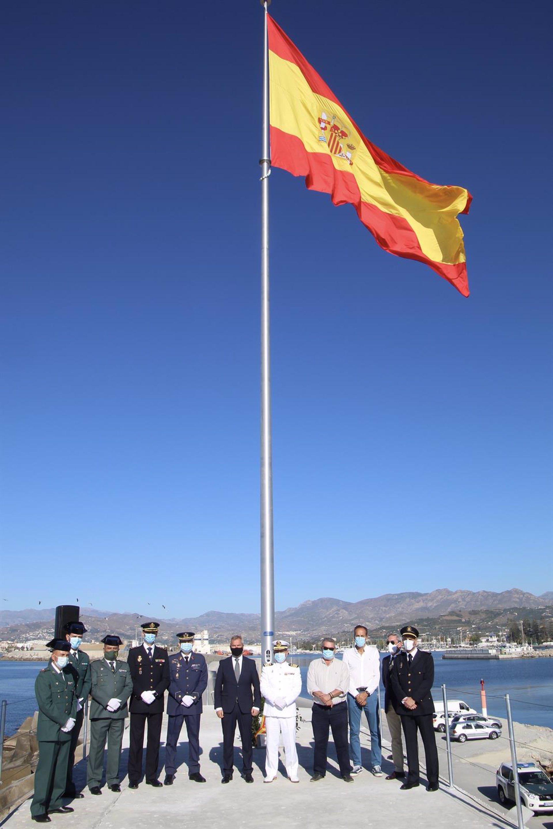 El Puerto de Motril homenajea a las víctimas de la pandemia