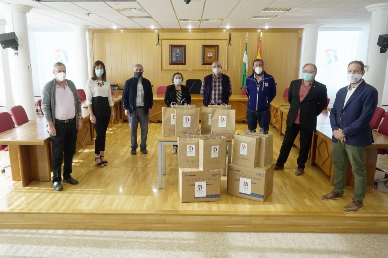 El Ayuntamiento de Armilla entrega a los colegios públicos e institutos material de prevención contra la Covid