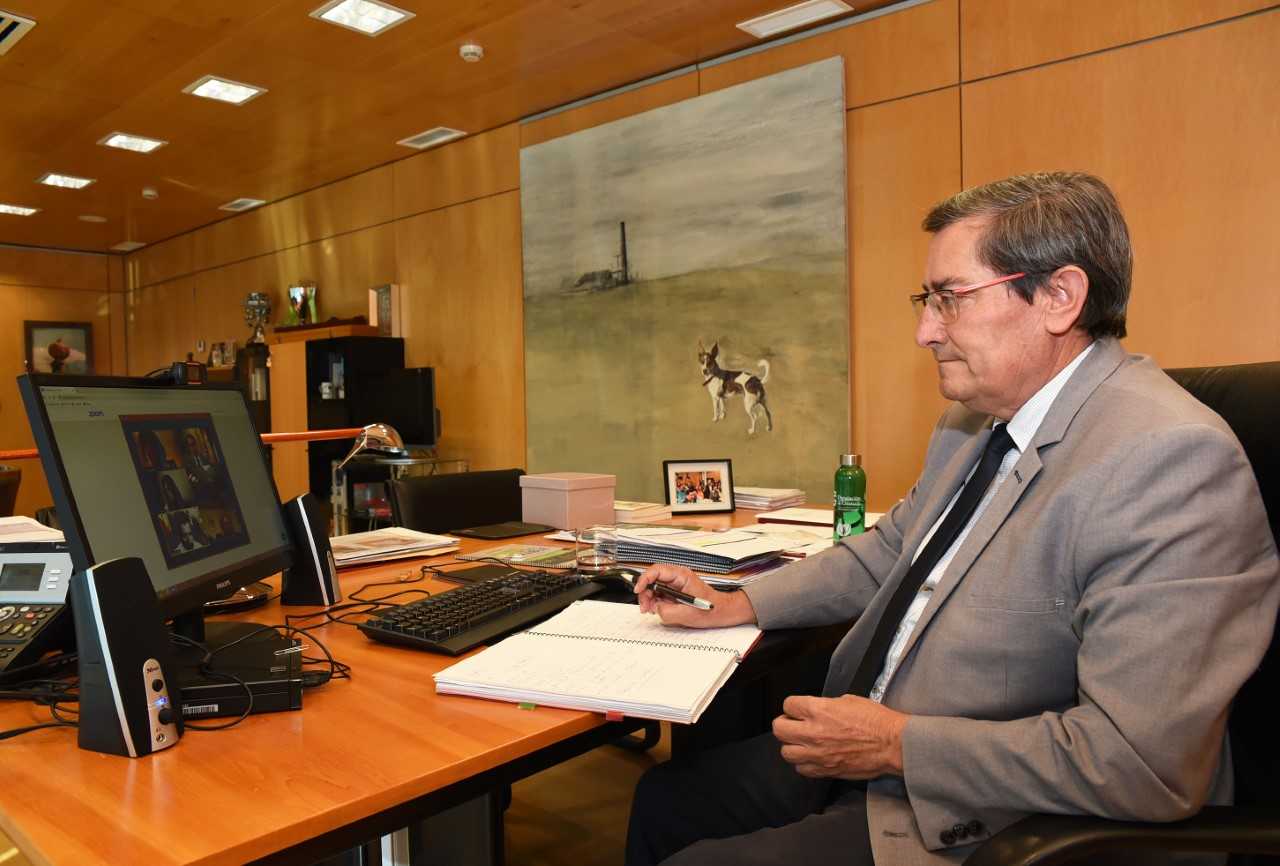 Reunión de Entrena con el Ministerio para abordar el cambio de modelo energético