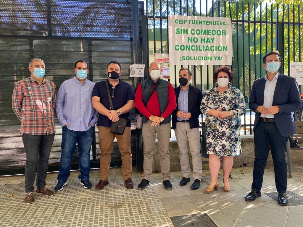 """El PSOE pide en el Parlamento la """"restitución inmediata"""" del servicio de comedor en dieciséis centros educativos"""