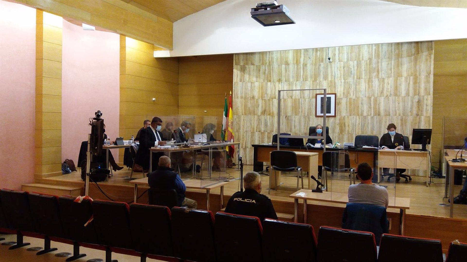 La fiscal rebaja a 24 años la petición de cárcel para el supuesto asesino de su mujer en Guadix