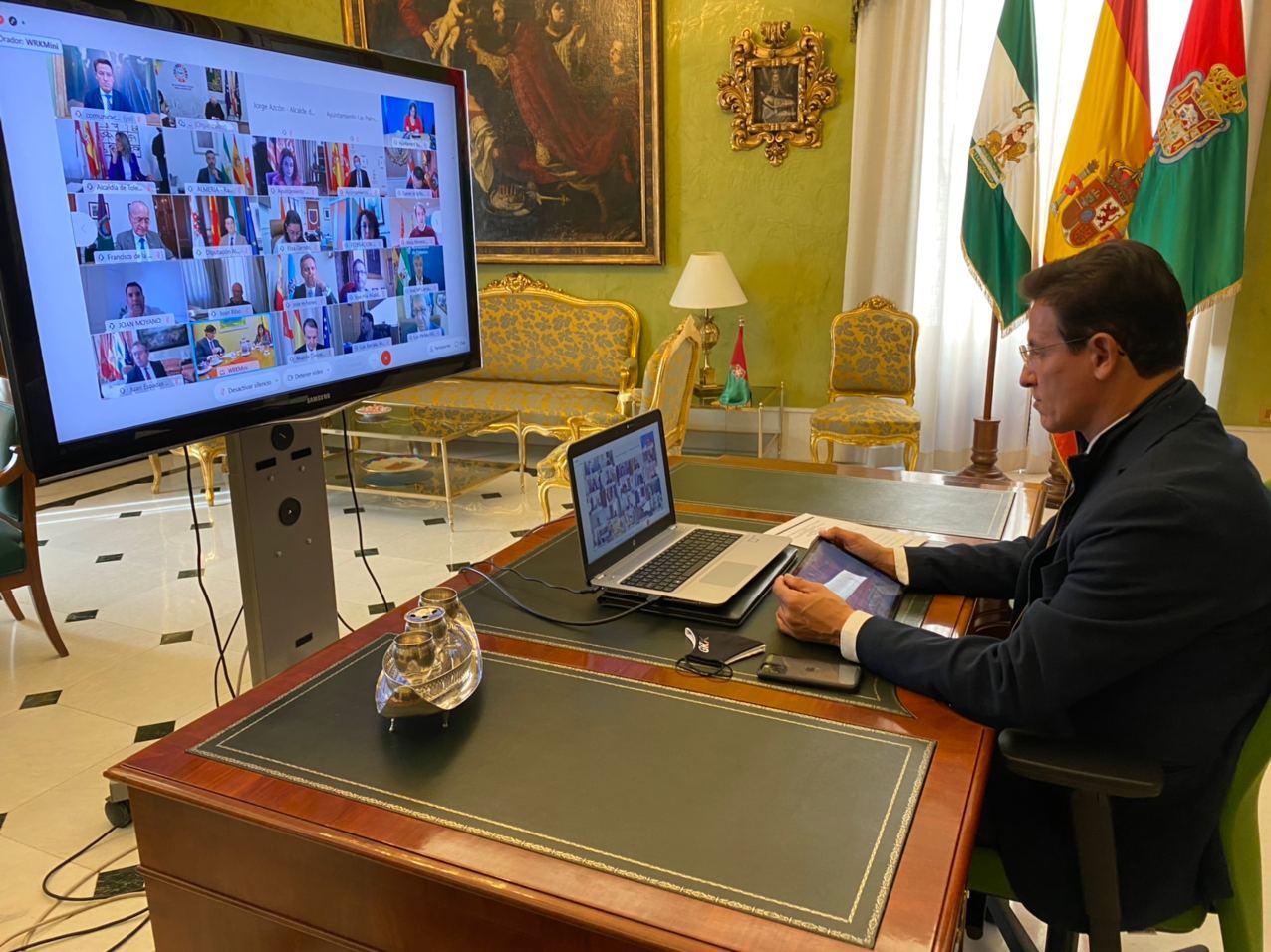 Luis Salvador pide al Gobierno apoyo a las economías familiares