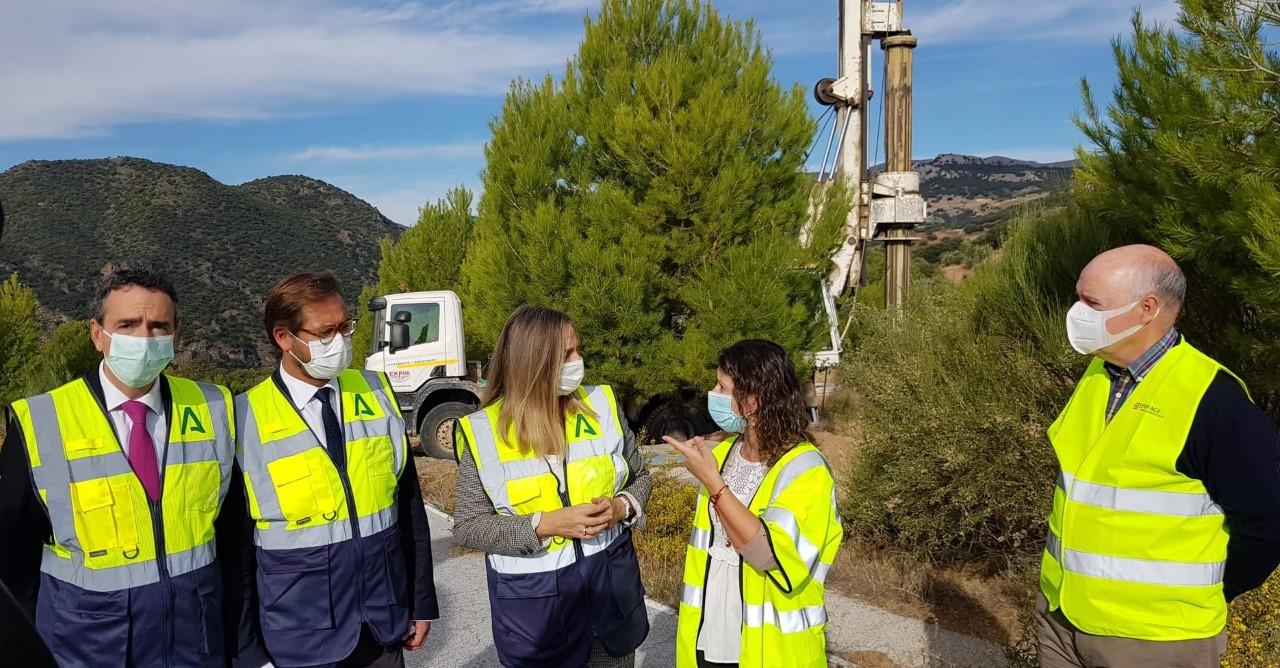 Arranca la obra de emergencia en Diezma para estabilizar la ladera de Peña Cabrera, en la A-92