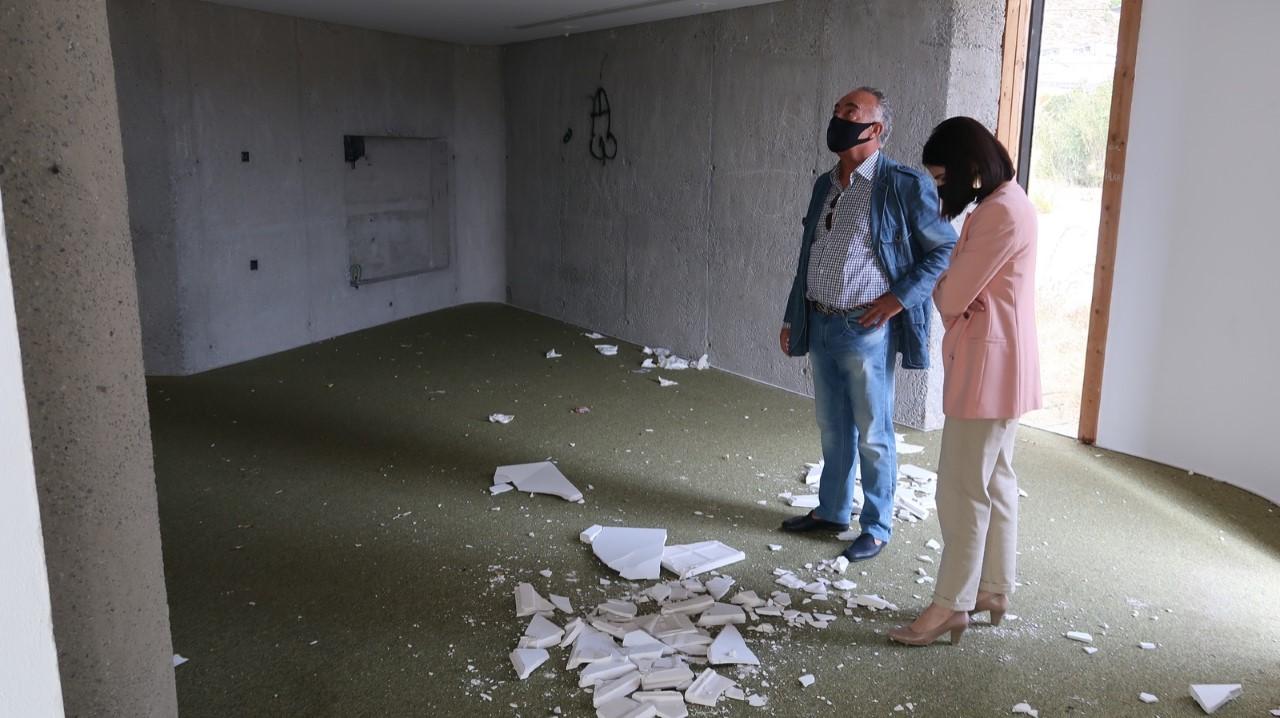 El PP de Salobreña denuncia la situación de un «punto limpio» de Lobres