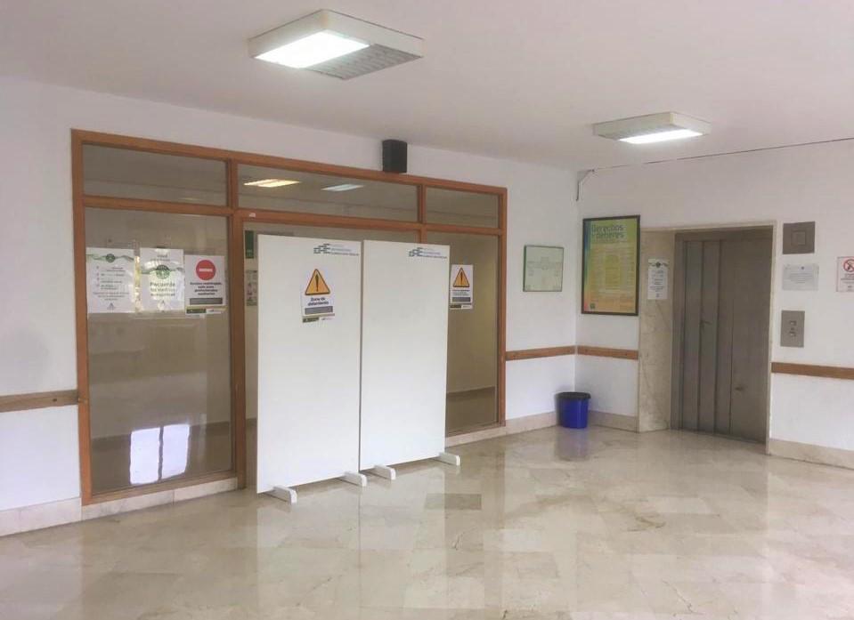 El San Cecilio ha derivado a 45 pacientes no graves al antiguo Clínico