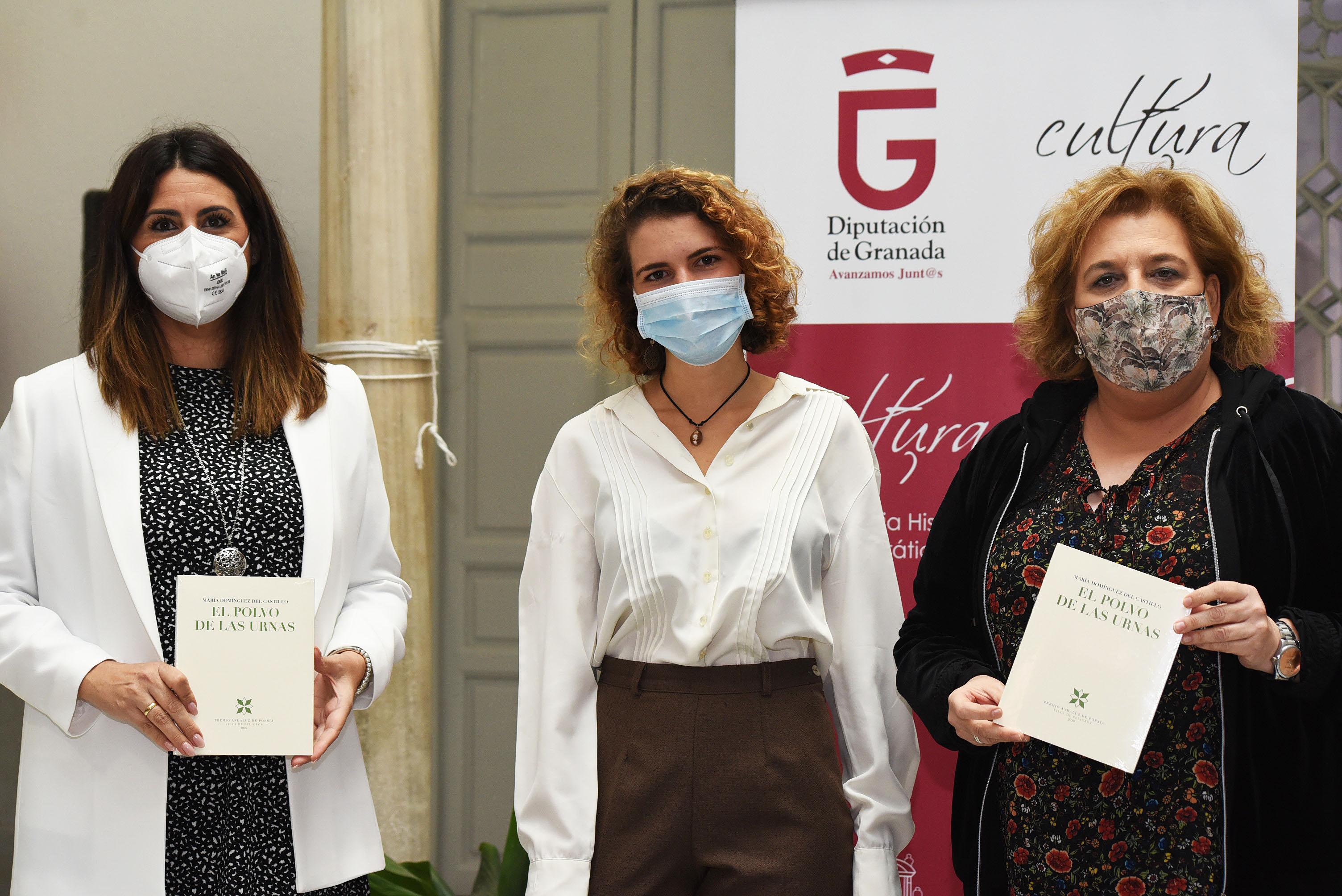 """""""Polvo de las urnas"""" gana el Premio de Poesía Villa de Peligros"""