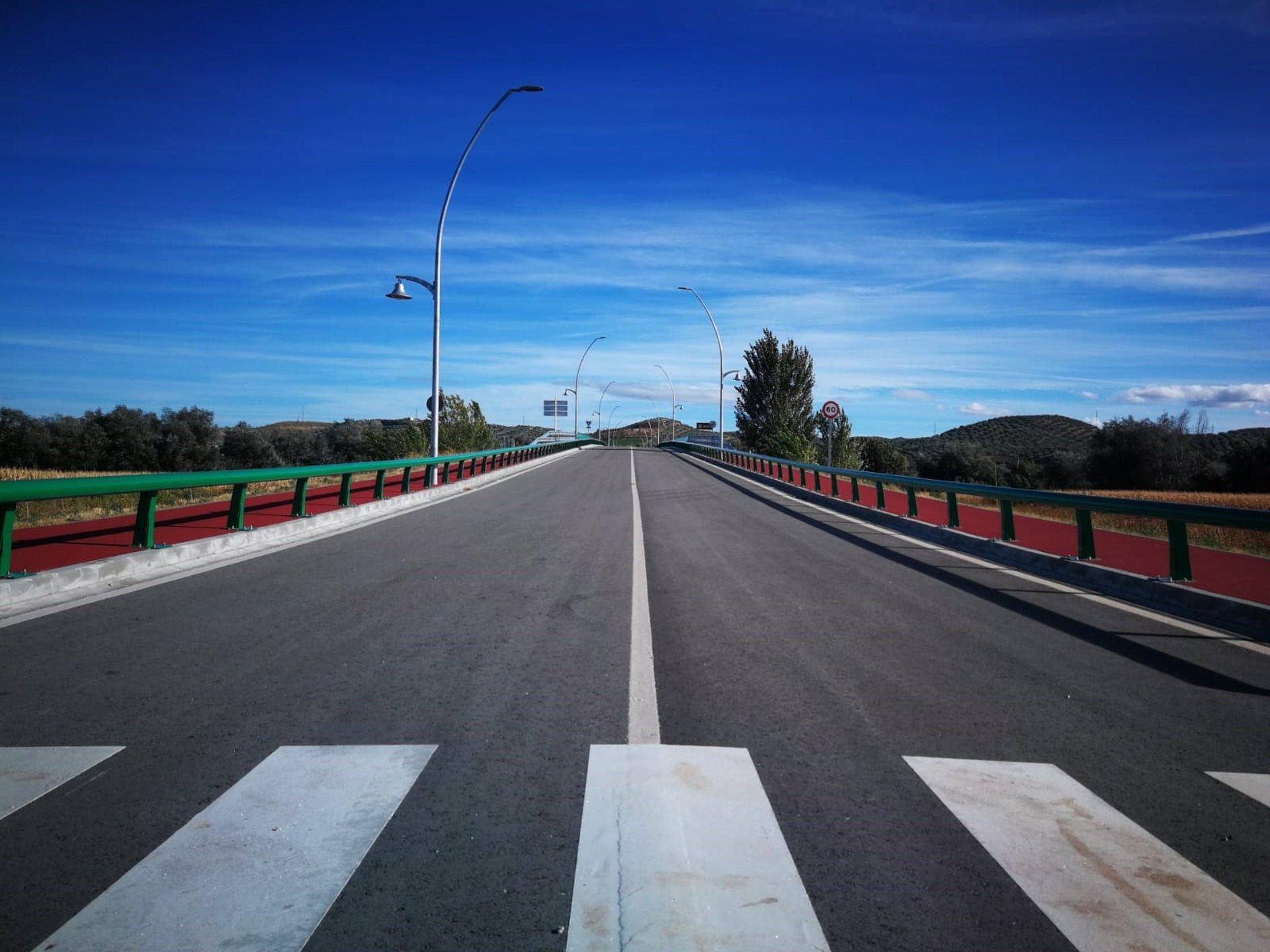 Huétor Tájar acusa a la Junta y al PP de «deslealtad» en las obras del segundo puente