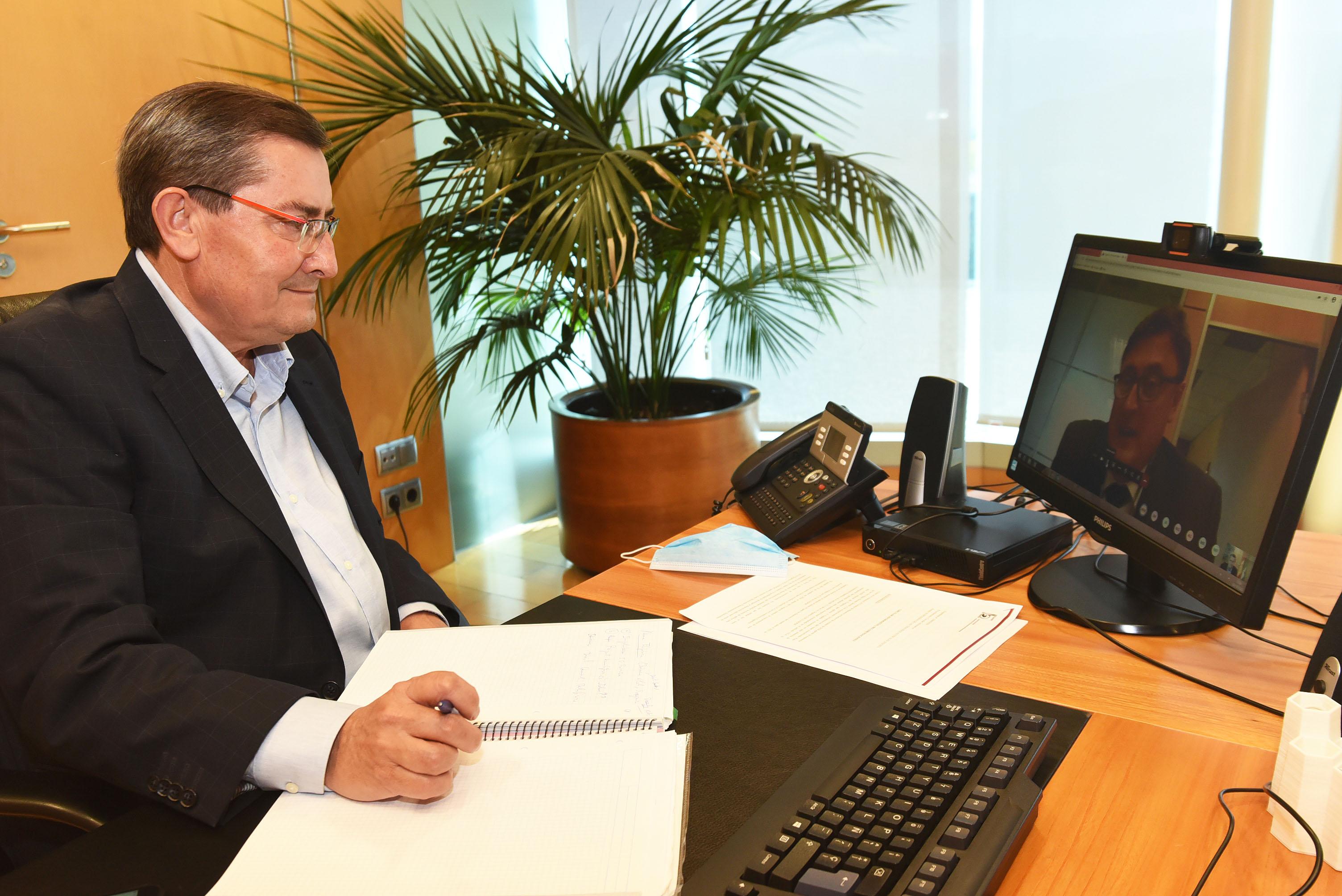 Entrena se reúne con Telefónica para abordar la situación del 5G en la provincia