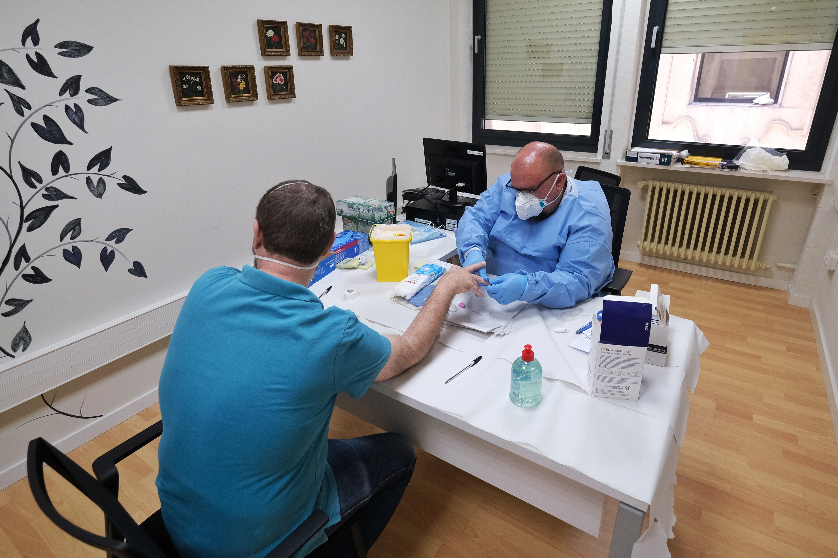 Justicia realiza una segunda ronda de test COVID-19 al personal de los juzgados de Granada