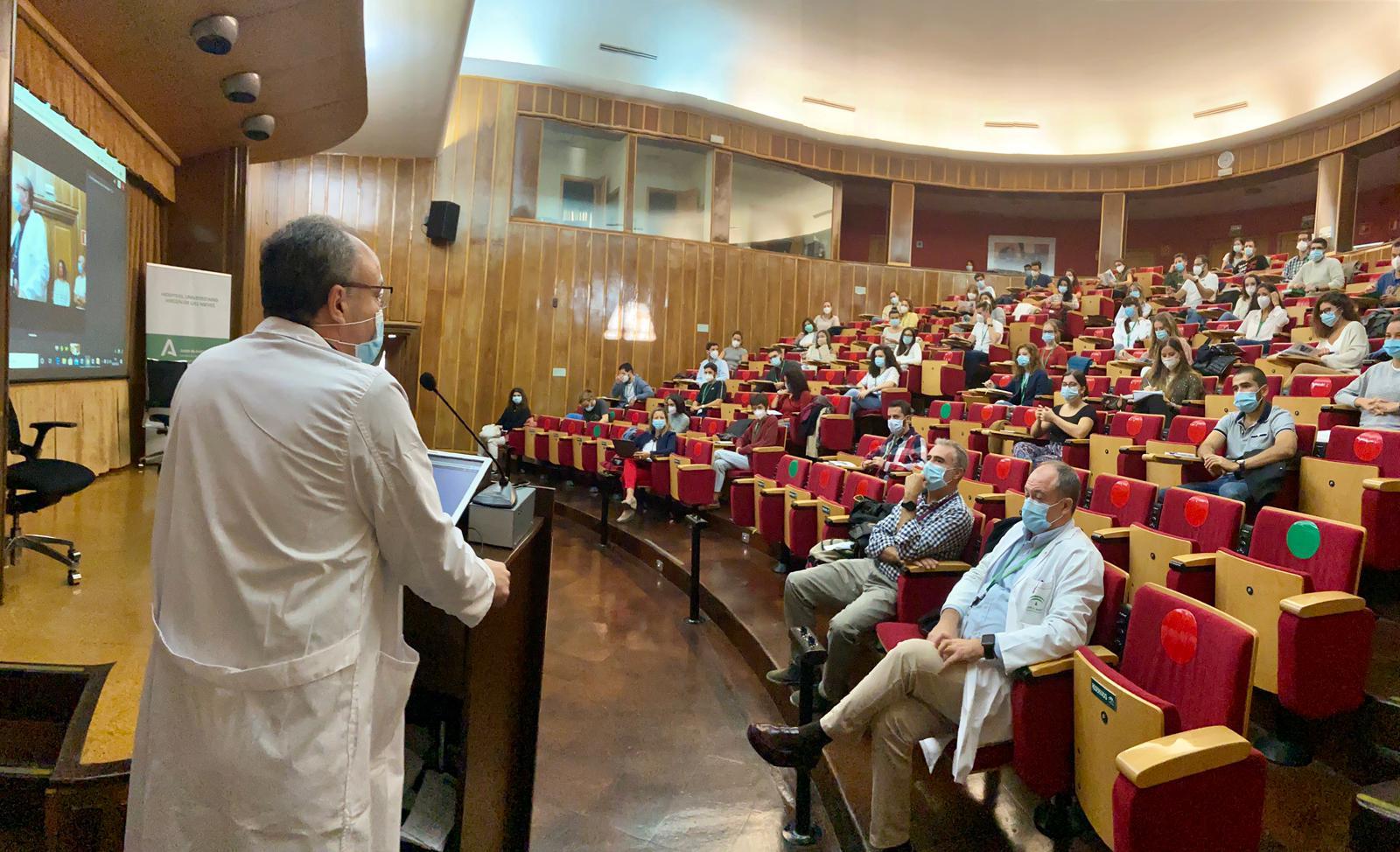 93 médicos residentes se incorporan al Hospital Virgen de las Nieves para iniciar su formación