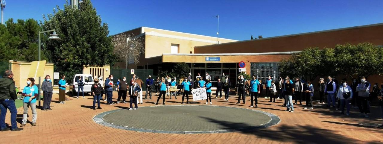 Los trabajadores de Ebone se movilizan para pedir la puesta en marcha de las actividades médico-deportivas del Patronato Municipal de Deportes