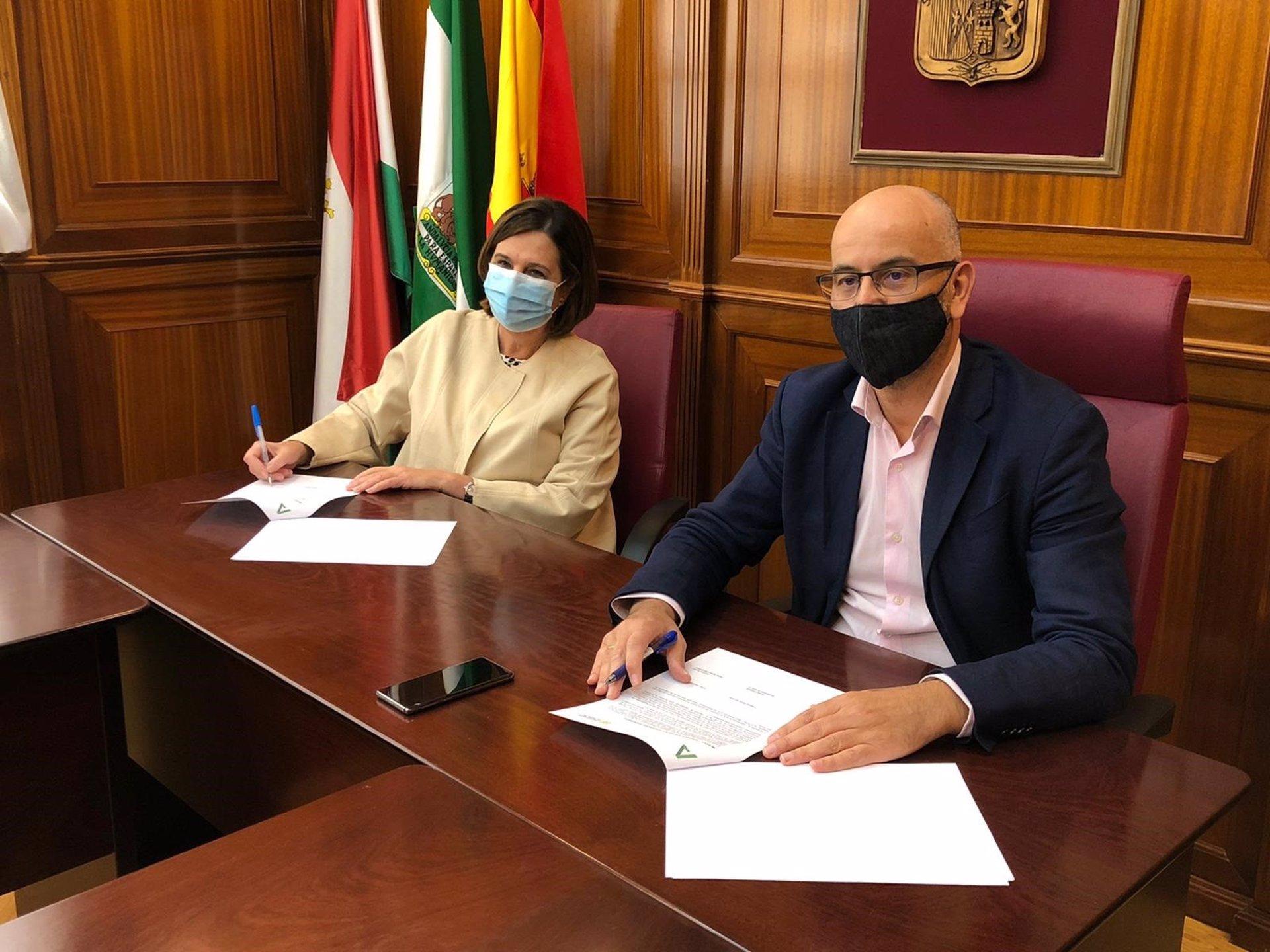 Convenio entre el Ayuntamiento de Santa Fe y Salud para mejorar la atención Sanitaria del Municipio