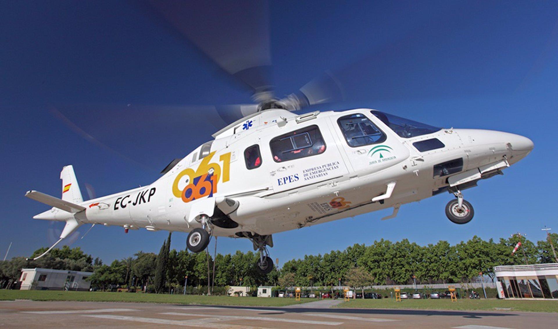 Rescatada en helicóptero una senderista tras caer al río cuando realizaba una ruta en Dúrcal