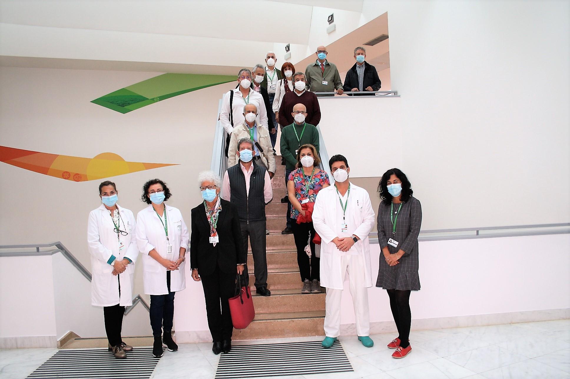Una docena de médicos jubilados se incorporan como voluntarios al Clínico para realizar seguimiento de casos Covid-19