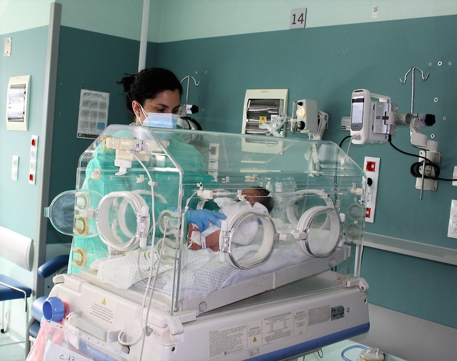 El Clínico reforma su Unidad Neonatal para propiciar un mayor contacto entre los recién nacidos y sus familias
