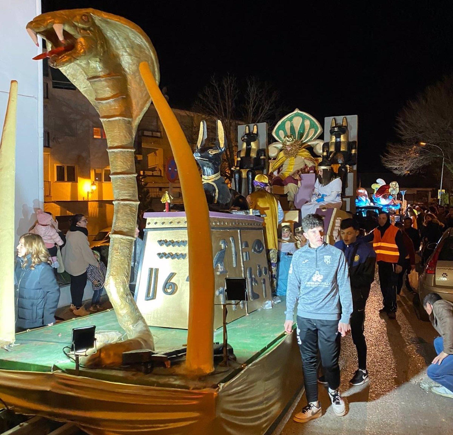 Montefrío trabaja en una Cabalgata de Reyes estática en distintos enclaves al aire libre