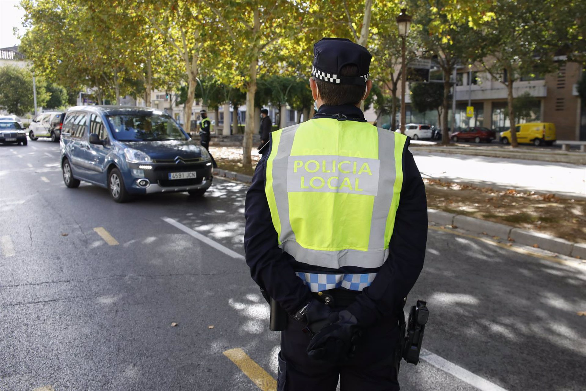 Dos detenidos por violencia de género y más de 90 multas el fin de semana