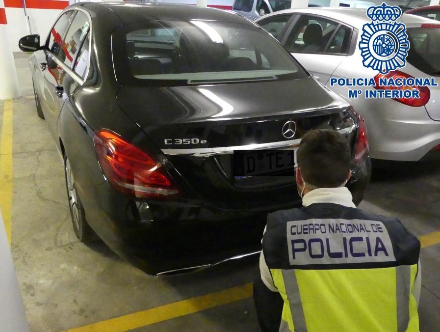La Policía recupera un vehículo de alta gama que había sido sustraído en Alemania