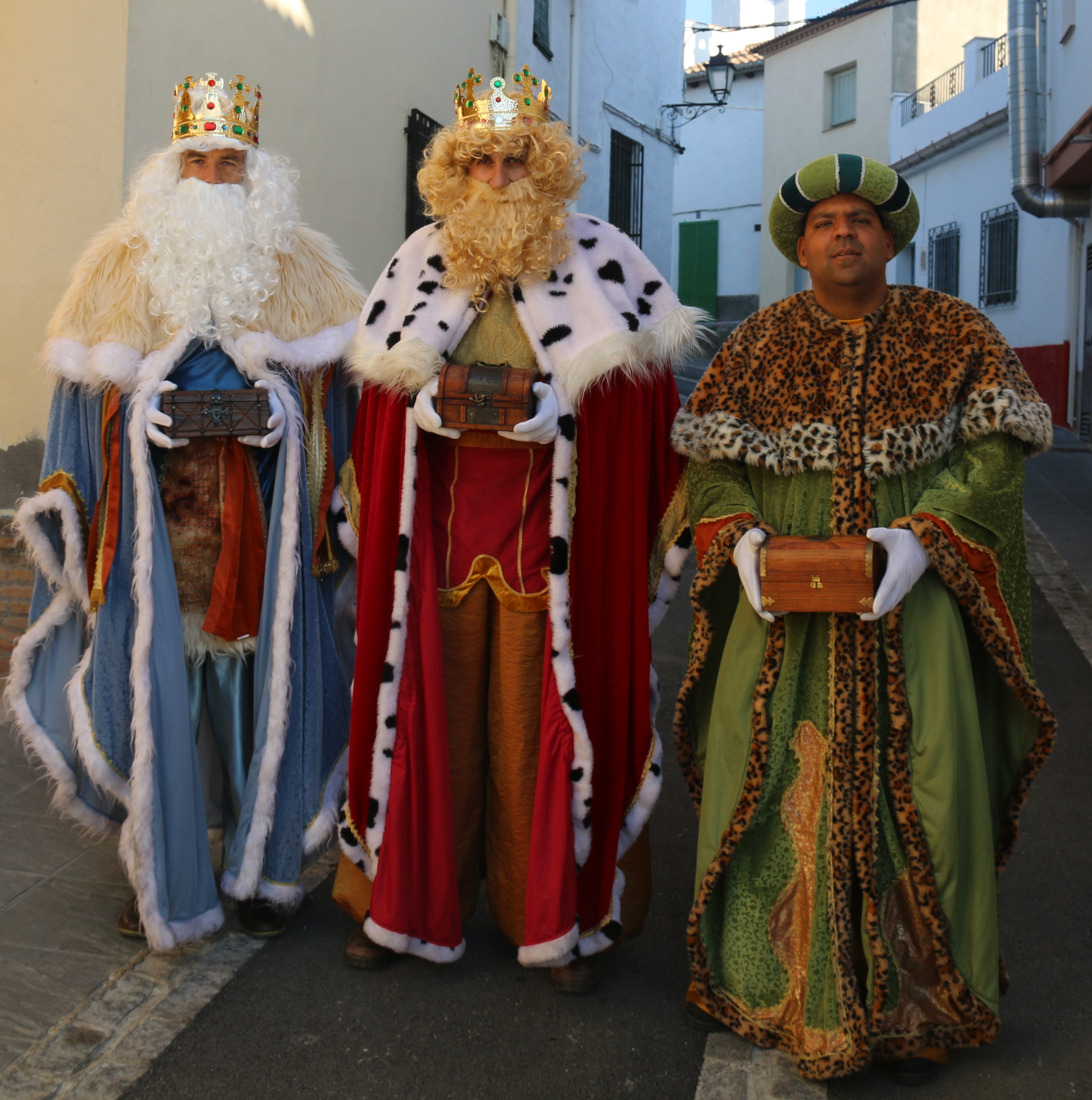 Los Reyes Magos enviarán mensajes personalizados por Whatsapp a los niños de Alhendín