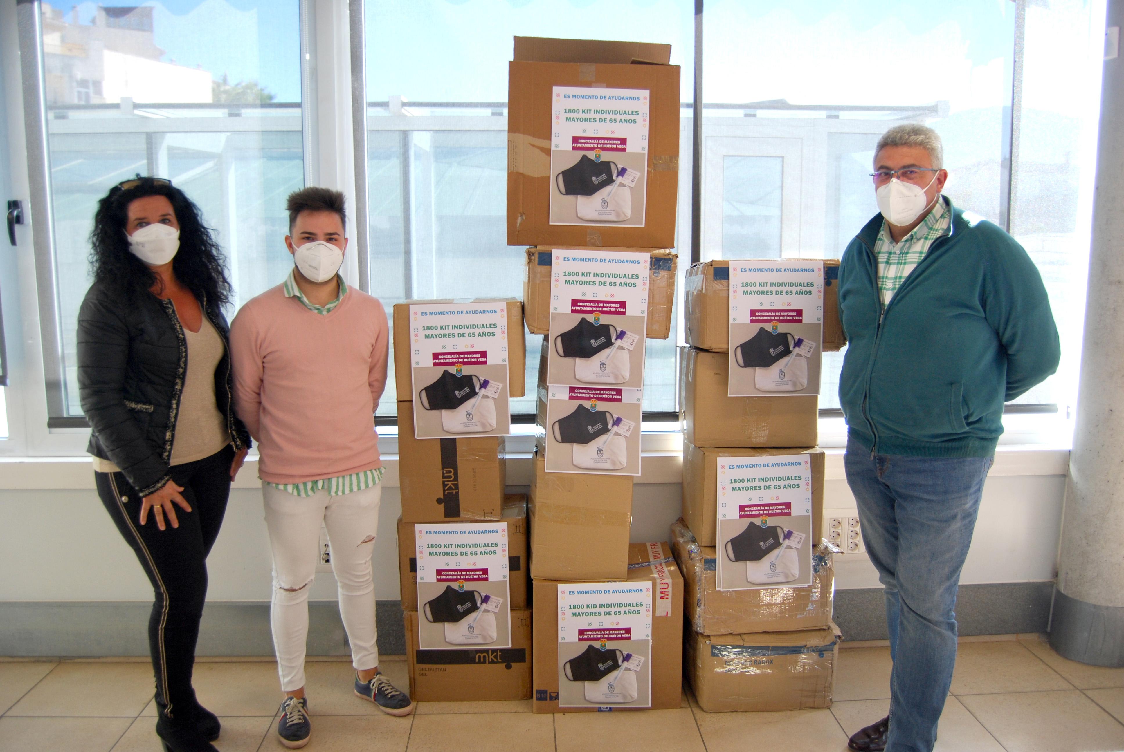 Los mayores de 65 años de Huétor Vega recibirán en sus casas un kit para prevenir el contagio de la COVID-19