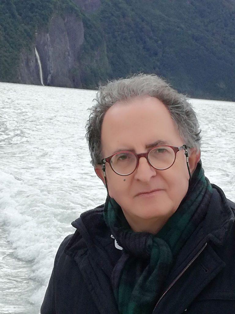 El catedrático de la UGR Manuel Gurpegui recibe el reconocimiento a toda su trayectoria por parte de la Sociedad Española de Psiquiatría