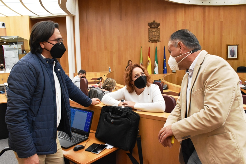 """IU denuncia que Diputación alimenta «el conflicto entre los municipios titulares de la Cueva del Agua"""""""