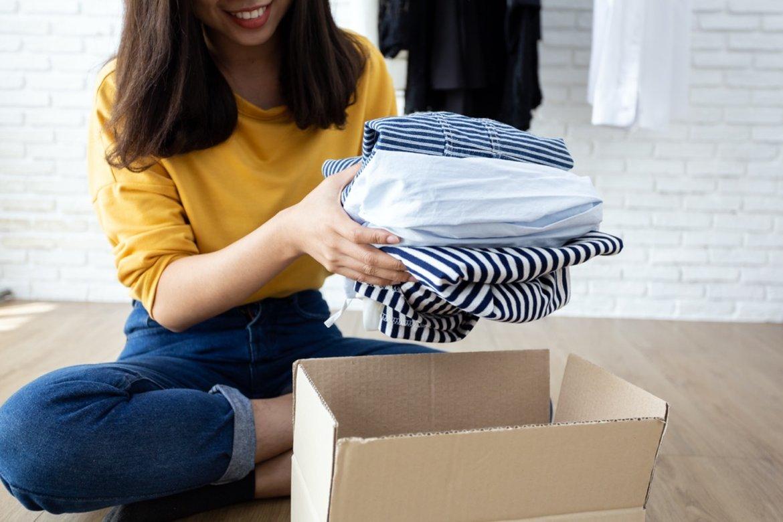La UGR impulsa una campaña recogida de ropa usada