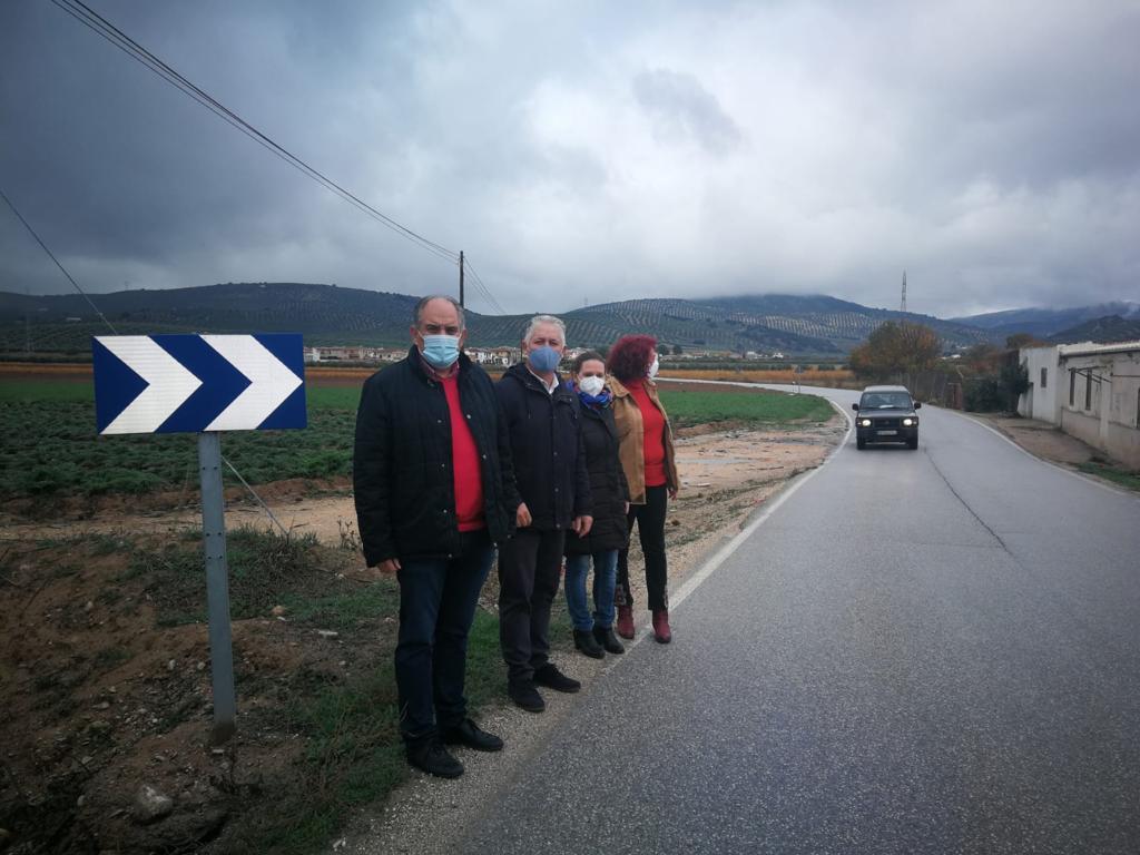 Inician los trabajos de mejora en la carretera de Huétor Tájar al anejo lojeño de La Fábrica