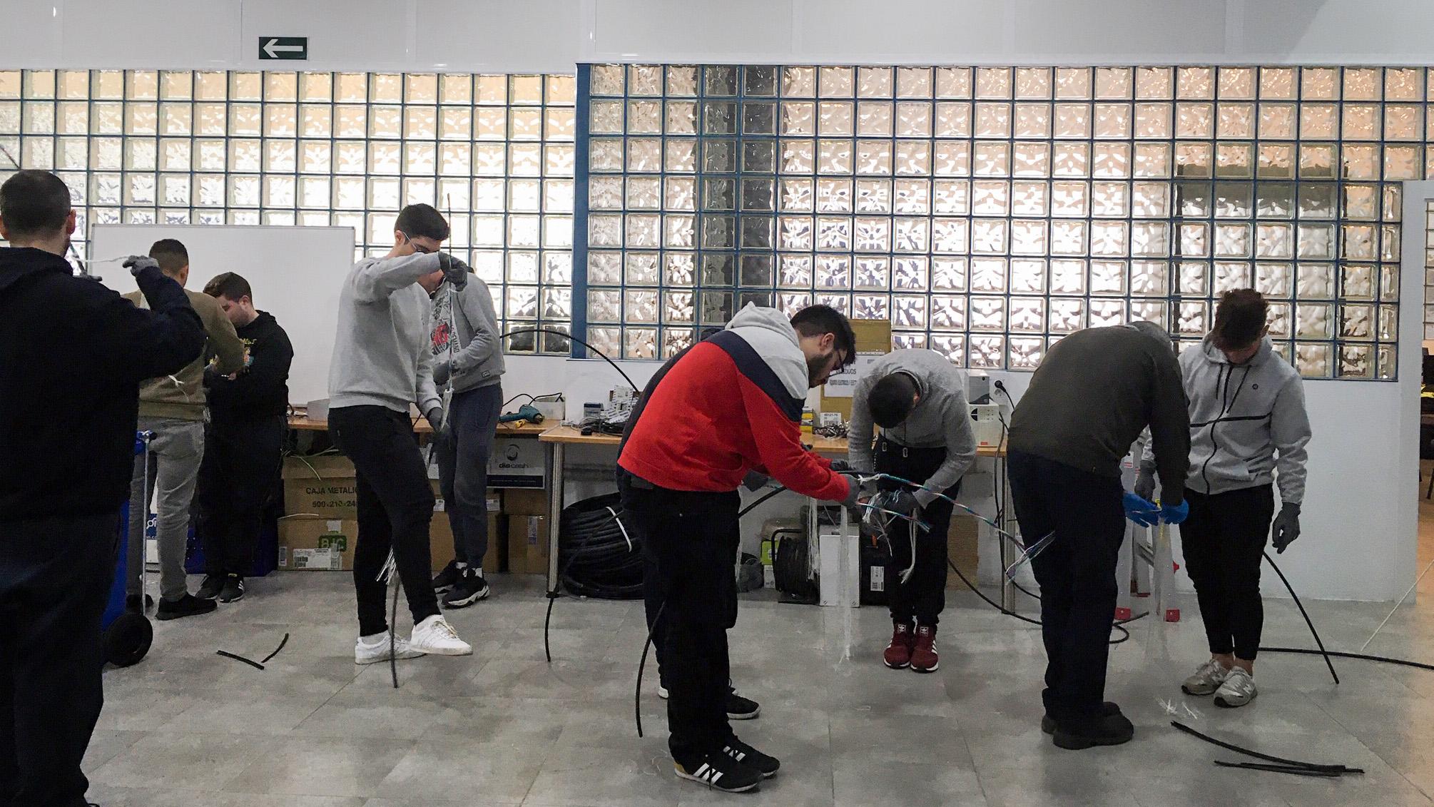 Cámara Granada ofrece ayudas de hasta 5.000 euros para la contratación de jóvenes