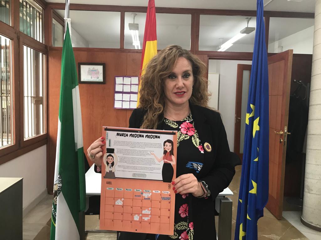 La granadina Nuria Medina protagonista del calendario del IAM 'Niñas de ayer, mujeres de hoy'
