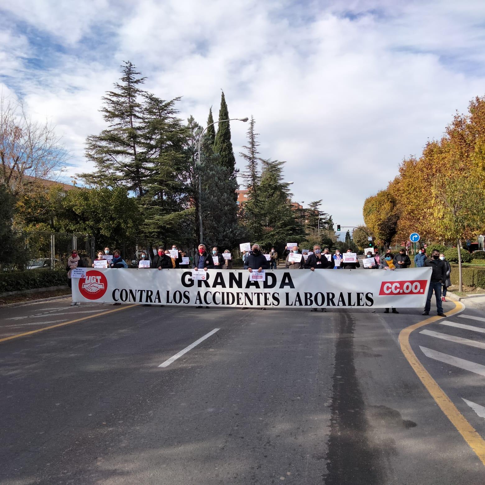 CCOO y UGT denuncian que Granada es la provincia andaluza con más muertes entre personal sanitario