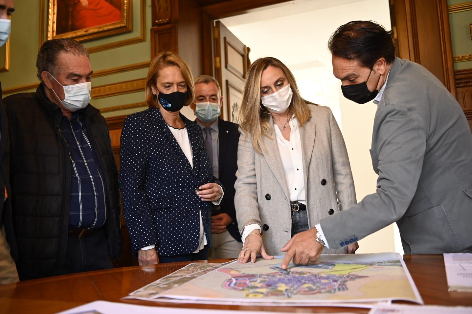 Junta y Ayuntamiento invertirán seis millones para finalizar la variante sur de Motril