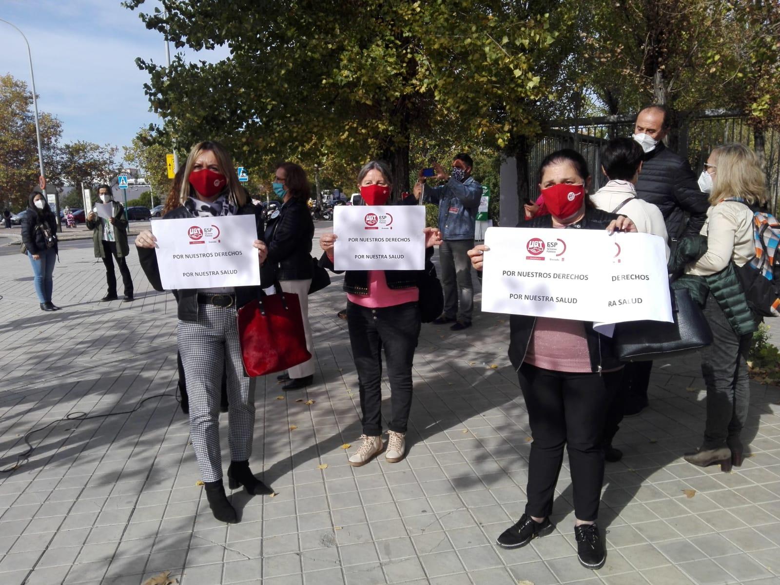 Los sindicatos protestan por la pérdida de derechos de los trabajadores de la sanidad pública andaluza