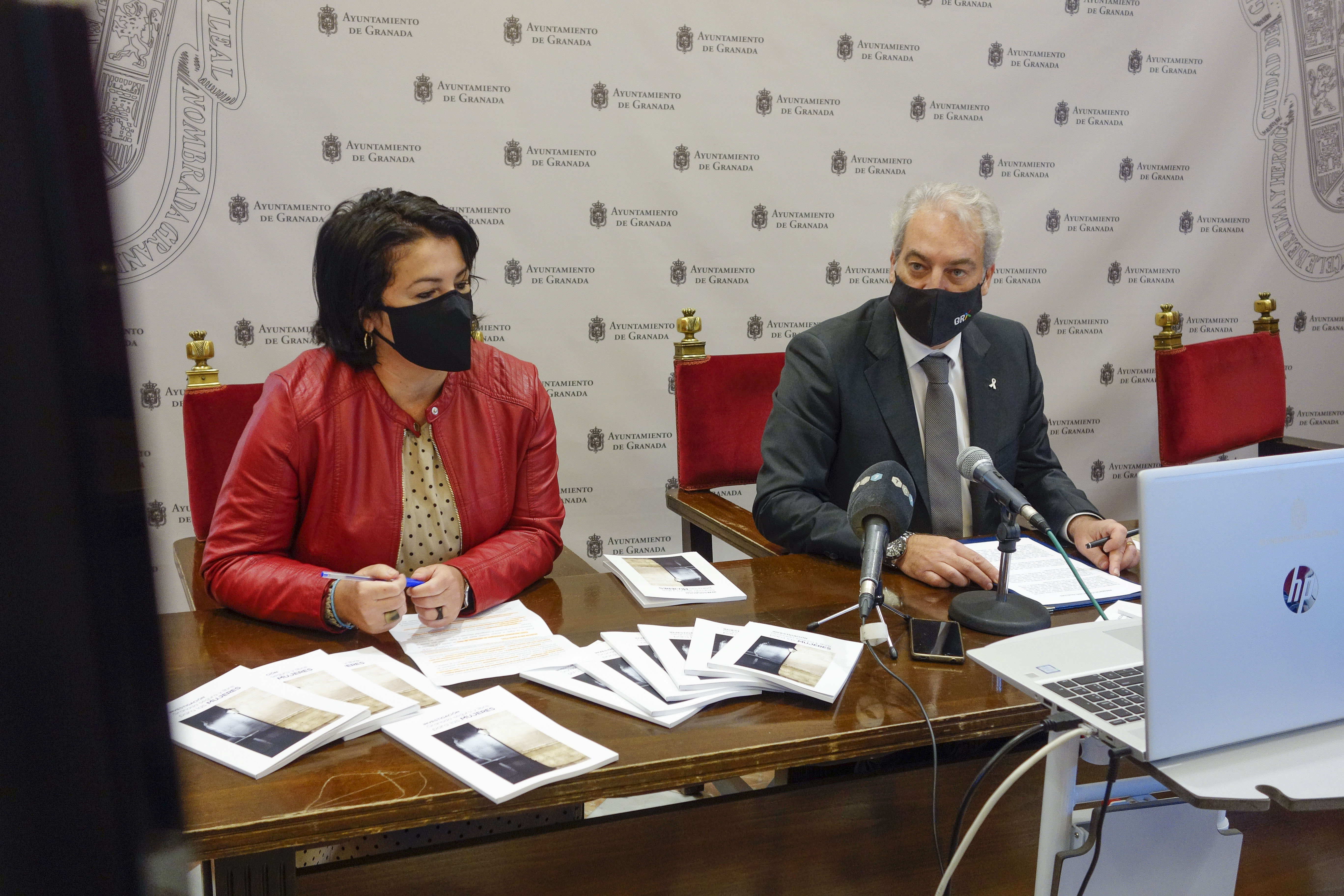 Presentan un libro sobre la seguridad de la mujer en la ciudad de Granada